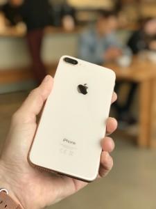 iPhone 8 Plus, recenze
